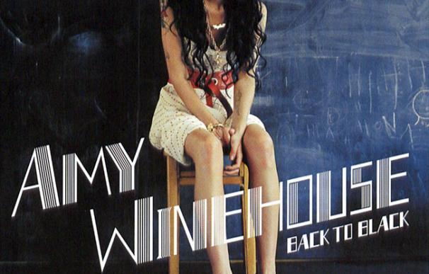 Portada de 'Back to Black' de Amy Winehouse