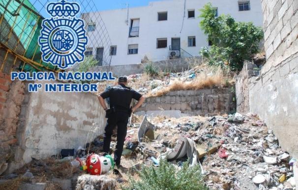 La Policía Nacional detiene a dos hombres por tirotear una vivienda en la capital