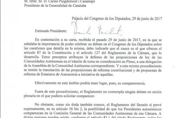 Pastor contesta a Puigdemont que puede ir al Congreso a defender una ley que se vote o comparecer en el Senado