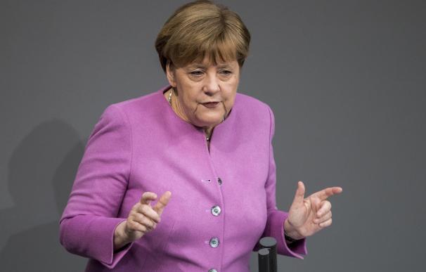 Merkel aviva el debate en Alemania al abrir la puerta al matrimonio homosexual