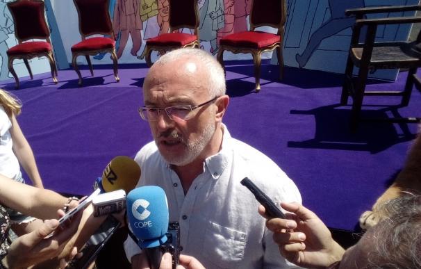 """Montiel, entre los dirigentes de Podemos que se movilizan con una recogida de firmas por un congreso """"más democrático"""""""