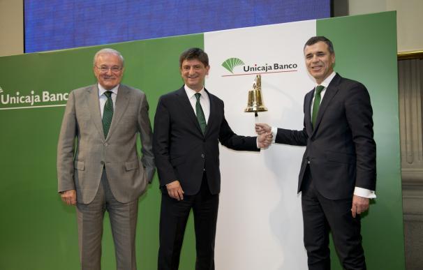Unicaja cierra su primera sesión en Bolsa con una subida del 6,36%