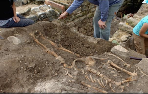 Investigadores de la UVigo descubren en Adro Vello pescado de hace 1.700 años y restos de 7 personas