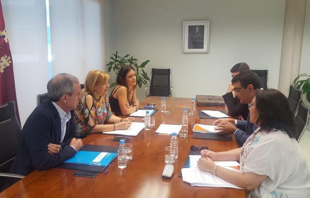 Murcia recibe 412.000 euros del Estado para asistir a las víctimas de violencia de género, un 45% más que en 2016