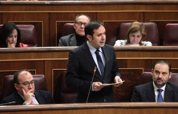 El PSOE urge a De la Serna a reflejar cuanto antes el acuerdo de la estiba en el reglamento