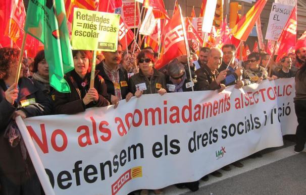 Gobierno catalán plantea 11 medidas estructurales y ocho temporales para reducir salarios de los funcionarios