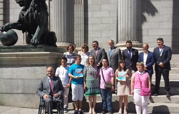 Ana Pastor afirma que trabajar por la plena inclusión de personas con Síndrome de Down es perfeccionar la democracia