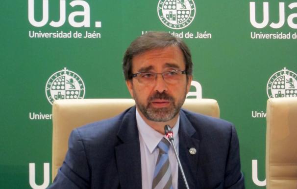 """El rector de la UJA ve """"fantástico"""" bonificar matrículas """"siempre que el coste no redunde en las universidades"""""""