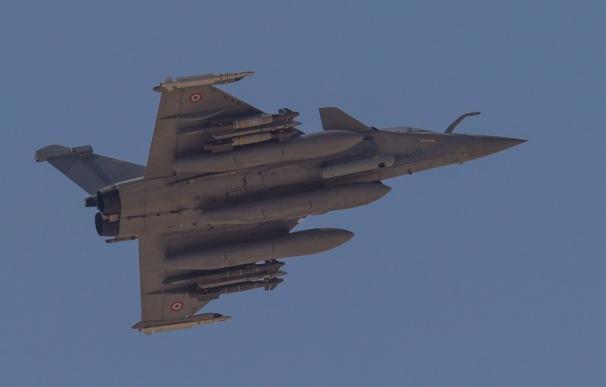 Francia bombardea nuevamente posiciones del Estado Islámico en Raqqa
