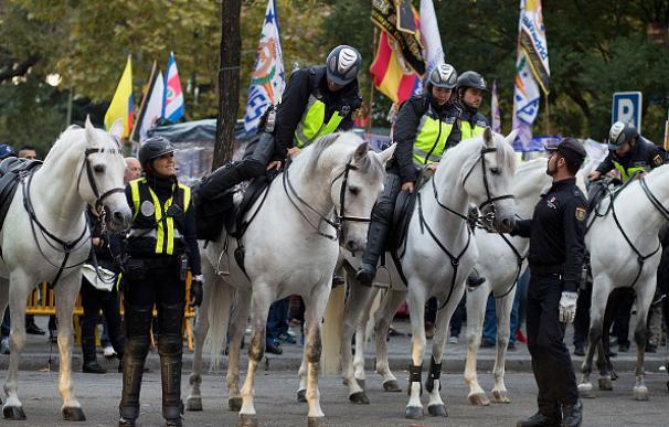 Más de 1.000 efectivos velarán por la seguridad en el Real Madrid - Barcelona
