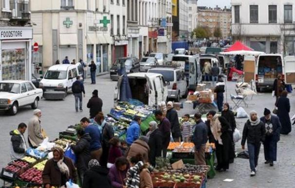 Por qué la policía no entra a Molenbeek, el barrio belga en el que los salafista protegen a los terroristas