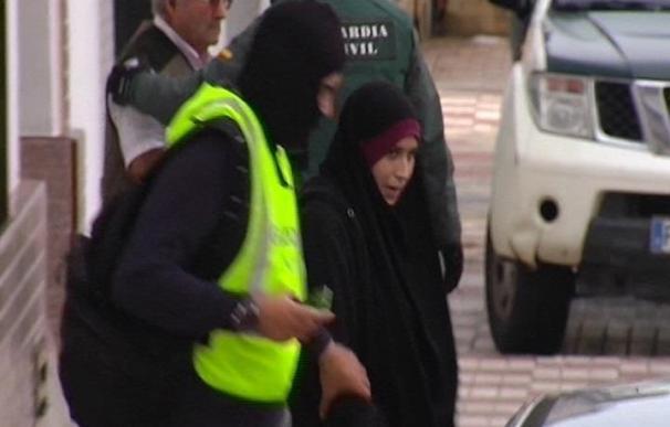 La mujer detenida en Barajas por unirse a DAESH alega que quería viajar a Turquía para estudiar
