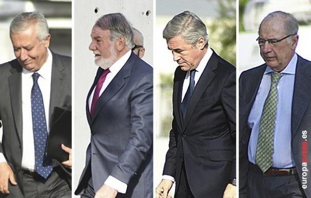 Exministros del PP se desvinculan de irregularidades en el partido y niegan contratos para beneficiar a donante