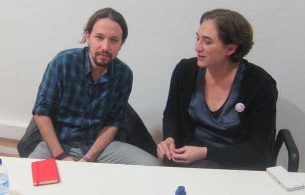 La alcaldesa de Barcelona, Ada Colau y el líder de Podemos, Pablo Iglesias.