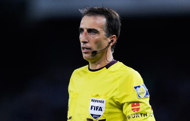 Así es Fernández Borbalán, el árbitro del Clásico / Getty Images.