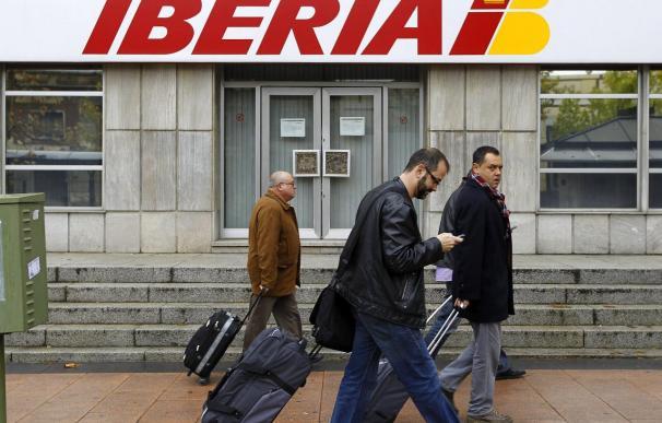 CCOO muestra su rechazo absoluto al plan de Iberia tras reunirse con la dirección