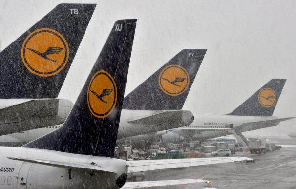 La nuevas nevadas agravan el caos aéreo y afecta a la red vial en Alemania