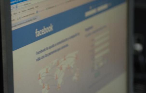 El 18,04 por ciento de los españoles agrega a su jefe a una red social, según un estudio