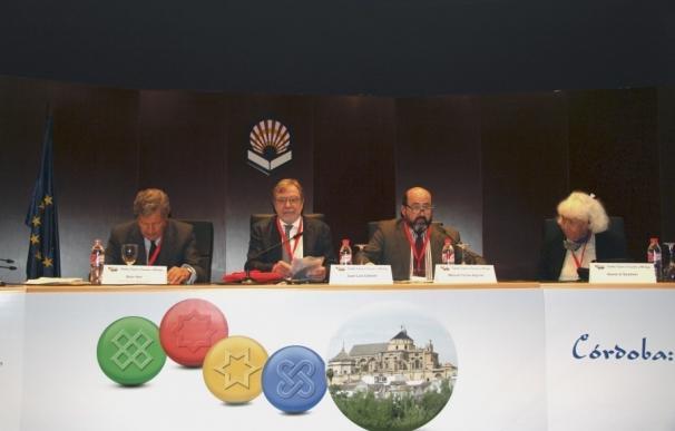 """Sami Naïr afirma que """"Europa tiene dificultad en conciliar la democracia con la diversidad"""""""