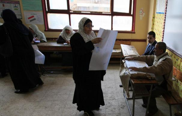 Segunda jornada electoral en Egipto, con menos colas de votantes