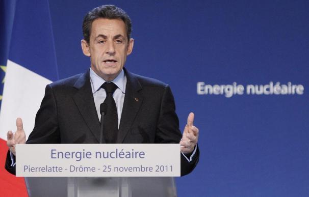 Sarkozy dedica su condecoración a las víctimas del terrorismo de ETA