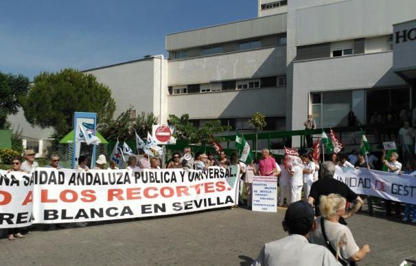"""Marea Blanca prosigue en el Hospital Macarena con sus movilizaciones contra el """"colapso"""" en urgencias"""