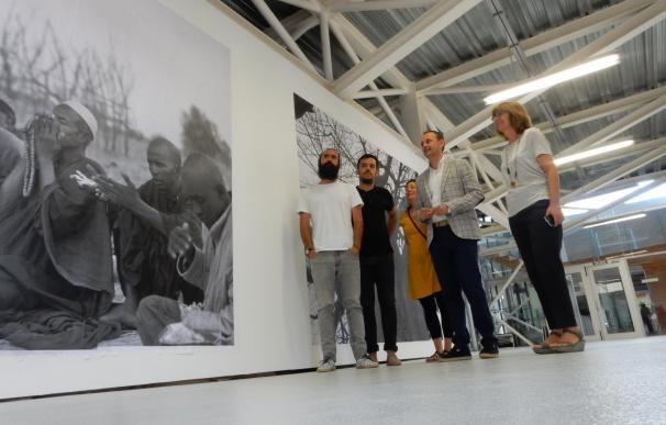 Cultura lleva al Párraga 'Nómadas', del ganador del World Press Photo Samuel Aranda y el escritor Martín Caparrós