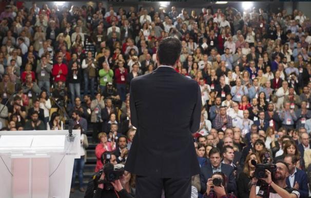 Sánchez, la semana pasada, en la Conferencia Política, suspendida tras los atentados de París.