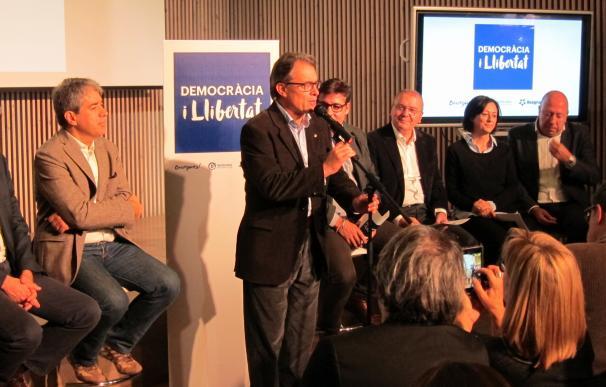 Mas, en la presentación de los candidatos de Democràcia i Llibertad, este domingo.
