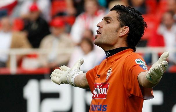El Sporting está pendiente de la recuperación de Canella para viajar a Málaga