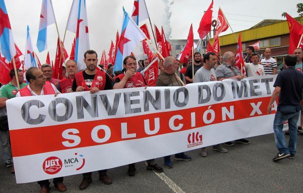 """Casi 4.000 trabajadores del metal en huelga se movilizan en A Coruña, Santiago y Ferrol por un convenio """"digno"""""""