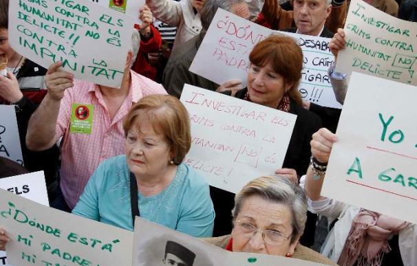 Miles de personas salen a la calle en toda España en apoyo del juez Garzón