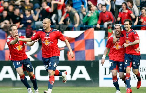 2-0. Osasuna acaricia la permanencia con los goles de Aranda y Vadocz al Zaragoza