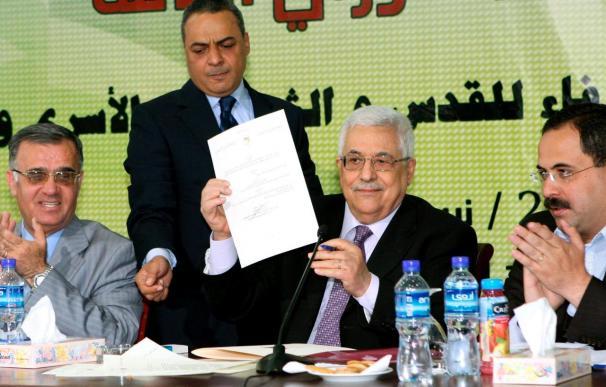 El presidente Abás prohíbe a los palestinos comerciar con productos de las colonias judías