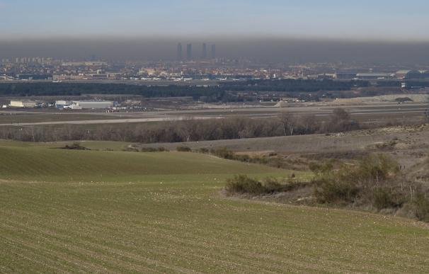 Todos los madrileños respiraron aire contaminado por encima de los límites legales en 2016, salvo en Cuenca del Alberche