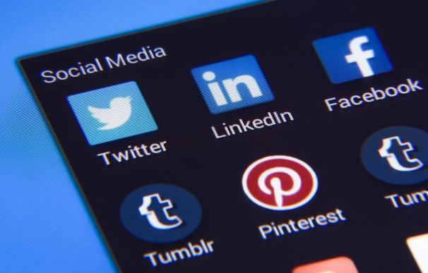 Piden un año de prisión para dos acusados de crear un perfil de Facebook a nombre de otro sin consentimiento