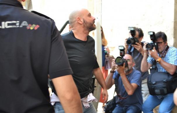Los padres de Álvaro Gijón comienzan a declarar ante el juez por el caso ORA