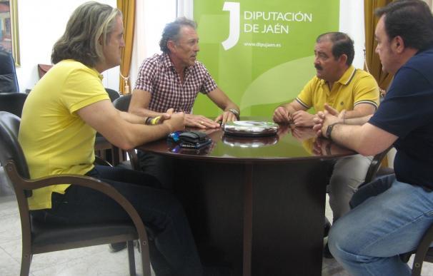 Una mesa de trabajo estudiará cómo mejorar la seguridad de los ciclistas en carreteras de la Diputación
