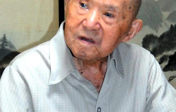 El hombre más anciano de Japón cumple 113 años rodeado de tataranietos