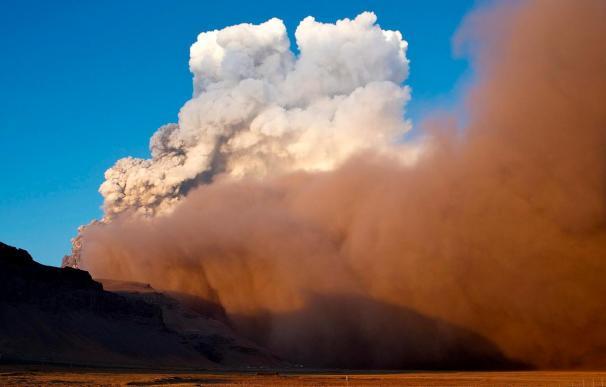 Entra en erupción el volcán islandés Hekla