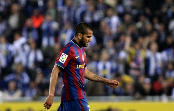 El Barça presenta alegaciones por las dos tarjetas de Alves ante el Espanyol