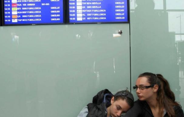 Cancelados un centenar de vuelos desde El Prat con destino a ciudades de Europa
