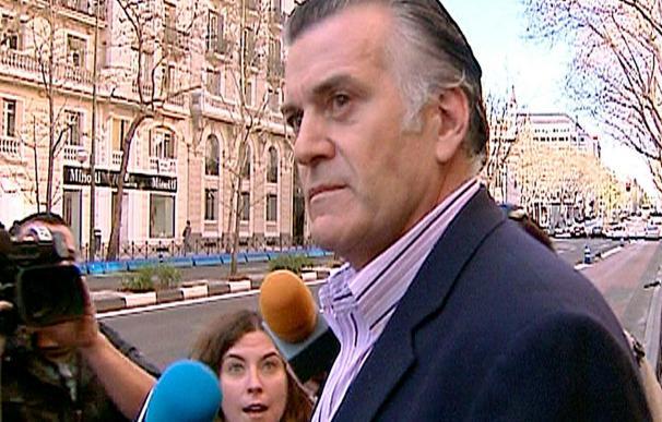 Luis Bárcenas dejará hoy su escaño de senador y Jesús Merino el de diputado
