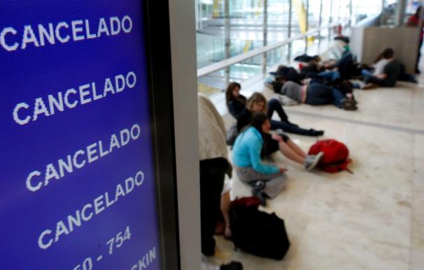 Más de mil vuelos cancelados hasta las 8.00 horas en aeropuertos españoles