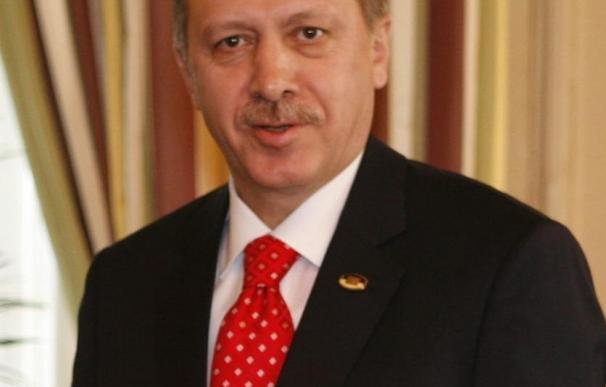 Erdogan responsabiliza a la UE de la victoria de Eroglu en el norte de Chipre