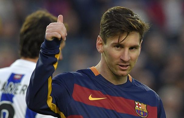 Barcelona's Argentinian forward Lionel Messi gestu