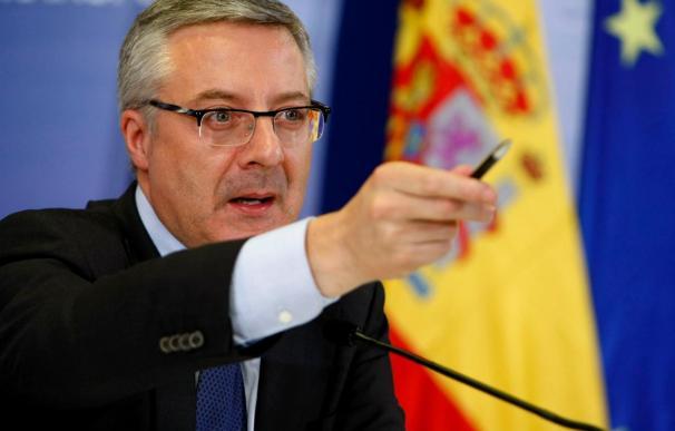 """Blanco pide que Batasuna condene la violencia """"sin más travestismo político"""""""