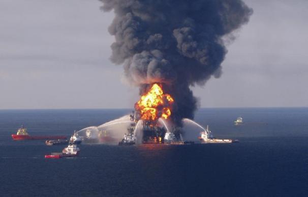 7.4000 barriles de crudo podrían estar derramándose cada día por el colapso de la plataforma petrolera