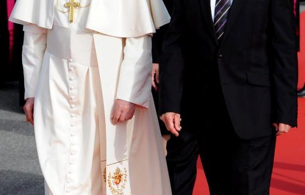 El Papa afirma que la Iglesia está herida por los pecados de sus miembros