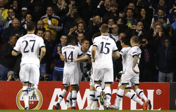 Tottenham Hotspur's Argentinian midfielder Erik La